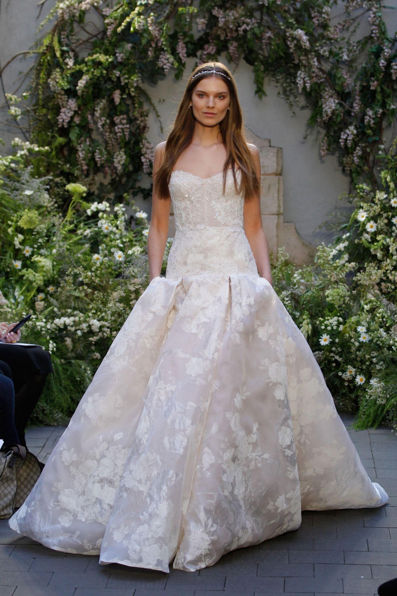 Monique Lhuillier   Monique lhuillier, Wedding dress and Bridal ...