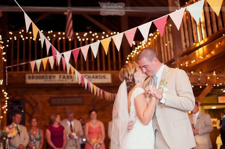 Brooksby Farm Peabody Ma Wedding The North S Bride