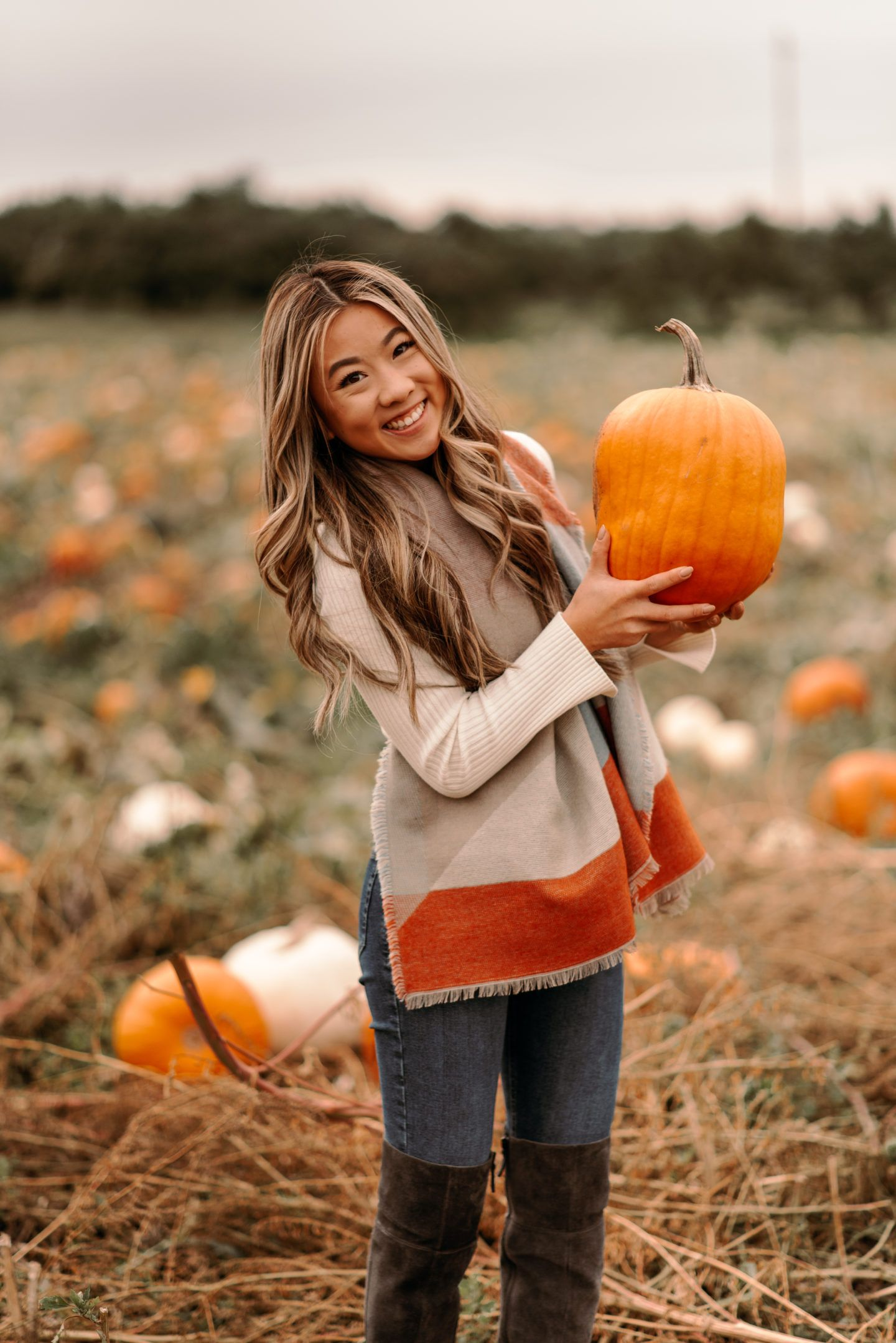 Pumpkin Patch Photoshoot  pumpkin patch photoshoot fall fashion fall outfit pumpkin patch photos fall scarves marisa kay fall aesthetic fall photoshoot #pumpkinpatchoutfit
