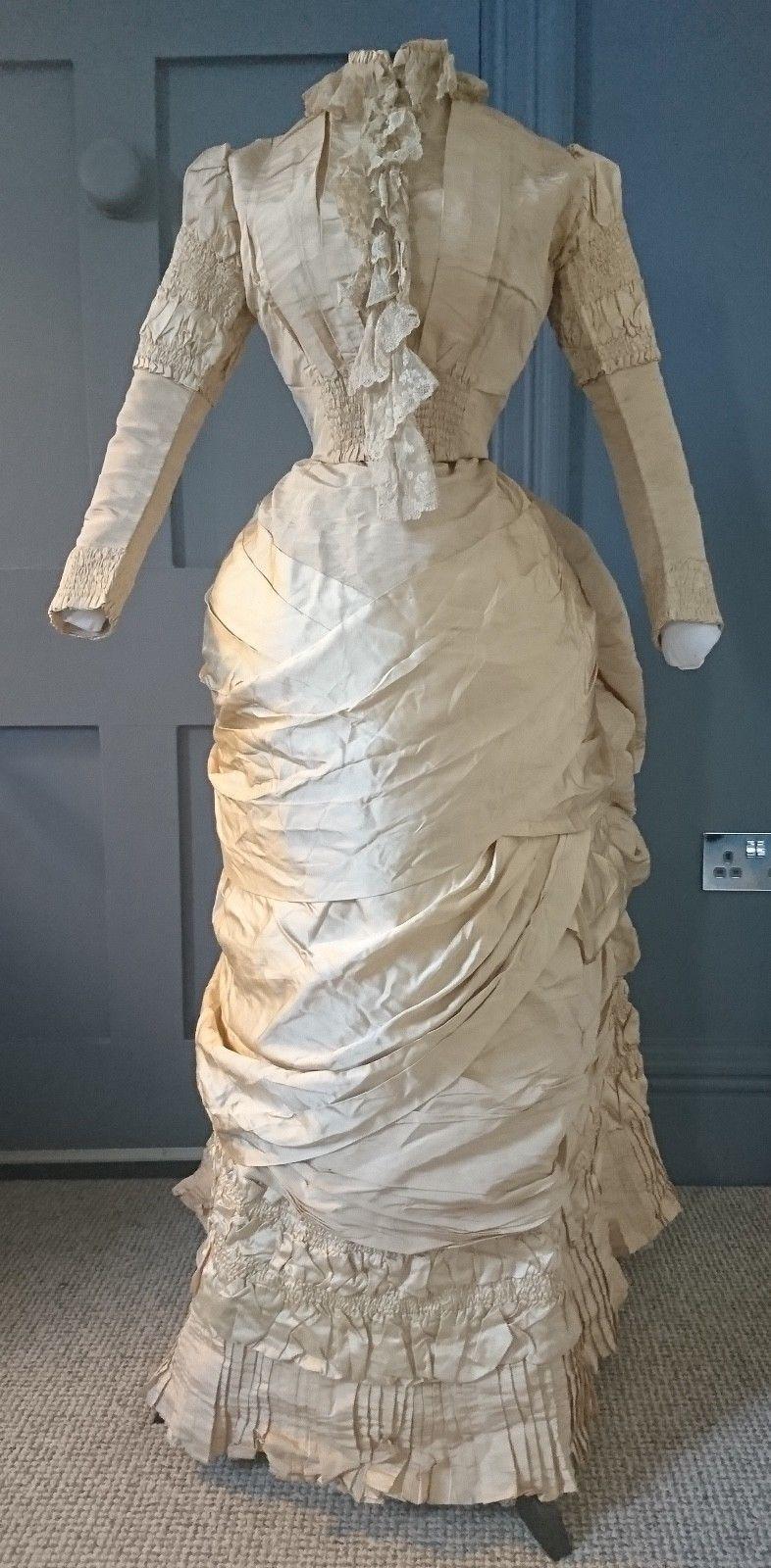 The bustle wedding dresses  Exquisite s Historicist Bustle Wedding  Dress  Victorian