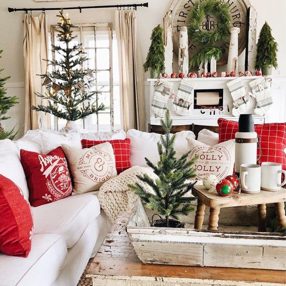 Avalanche de coussins au salon pour un décor cozy!  Décoration