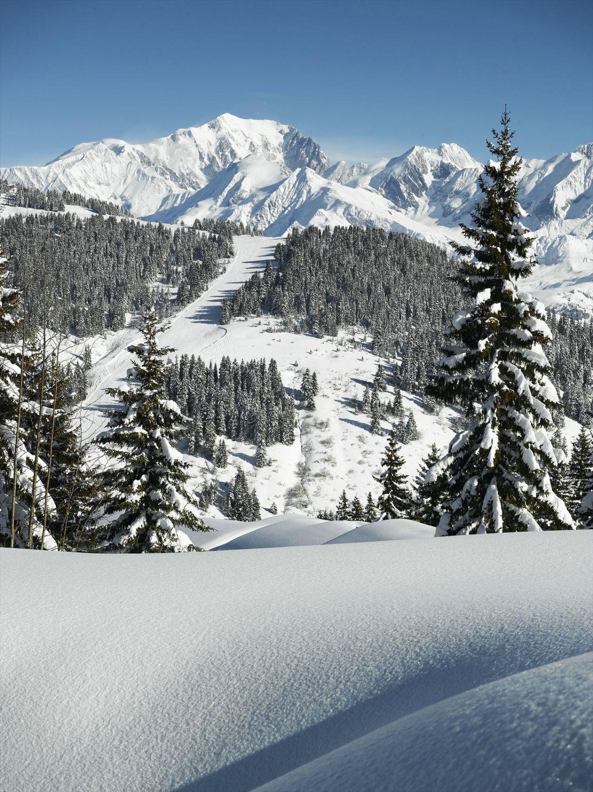 Les Saisies Savoie Le Mont Blanc Qui Surplombe La Station Paysage Hiver Montagne Paysage Hiver Neige Paysage Neige Montagne