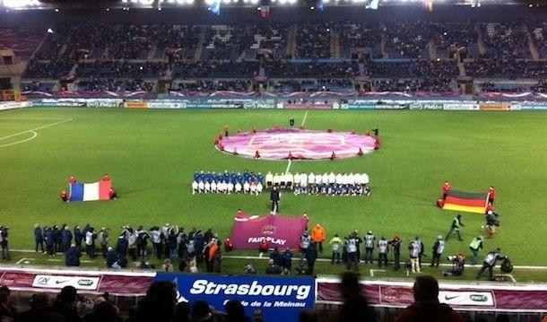 Entrée des joueuses France-Allemagne (13/02/13)