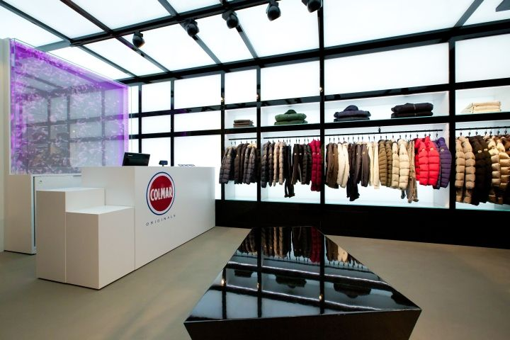 on sale 3592c 90960 Colmar Originals store by Giraldi Associates Architects ...