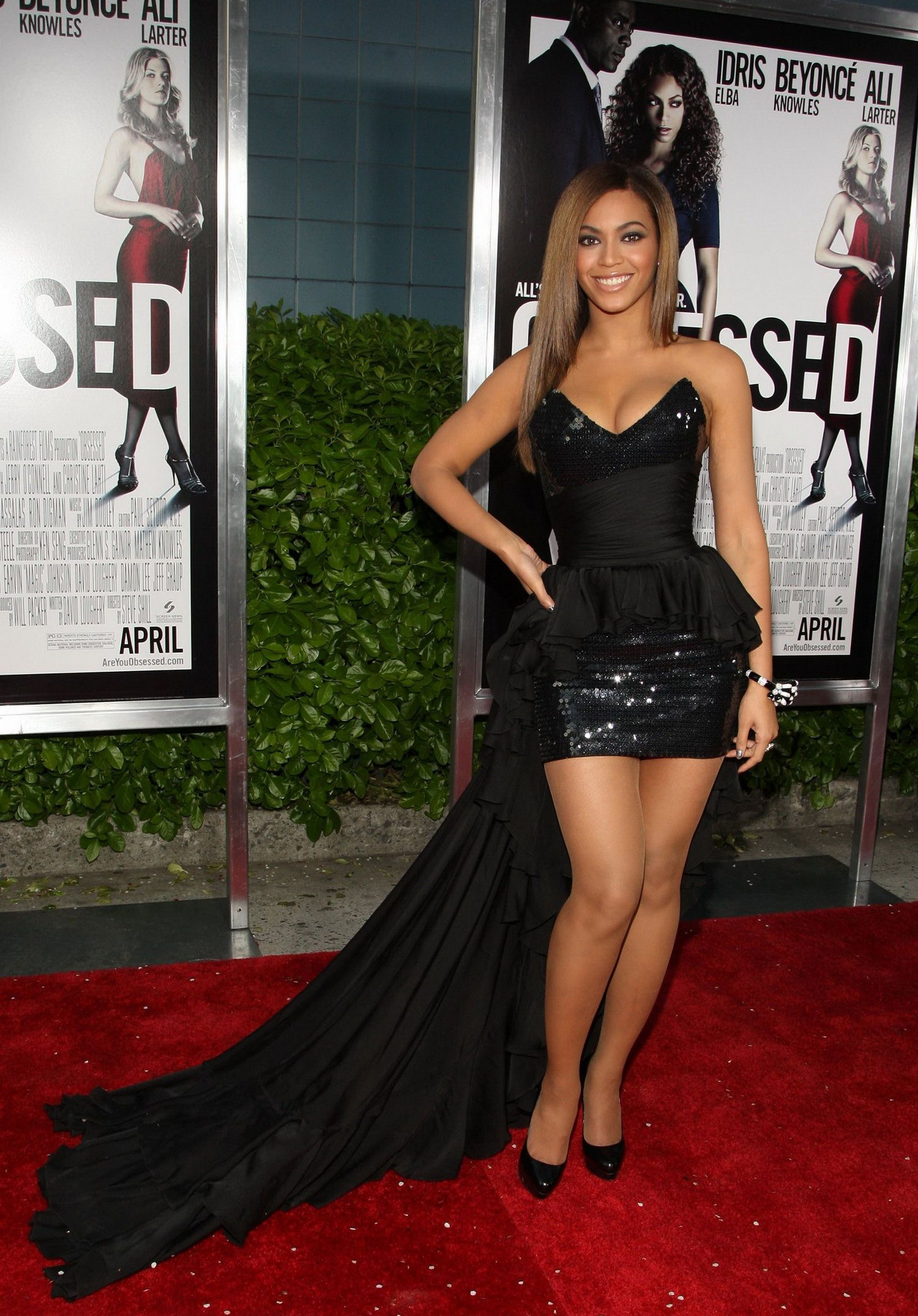 Beyonce punching Christina much more and pulls her hair. Description from  freecatfights.com. I searched for this on bing.com images. beyonce Celebrity  ... 5fbfee3f4361