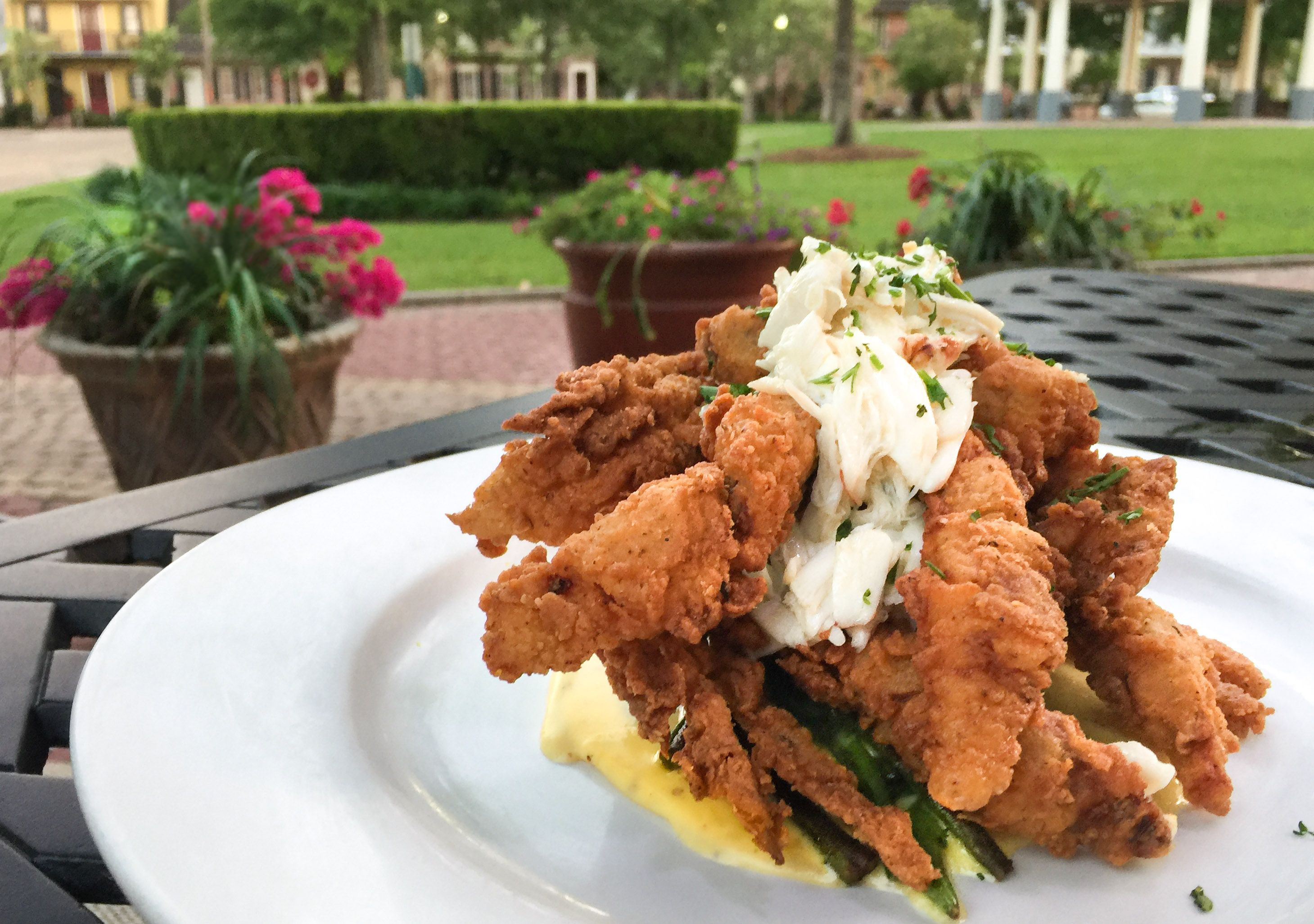 Fried Softshell Crabs is an elegant Cajun dish in this classic interpretation. #cajundishes