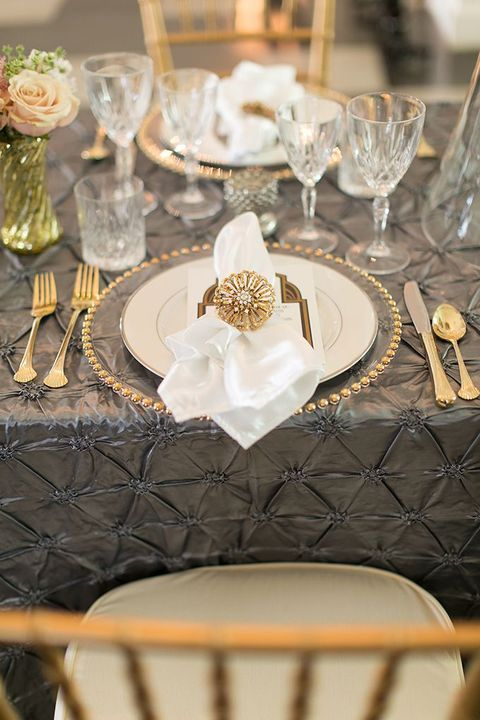 Chic fabulous and sparkling \u2013 this is all about art deco table settings! Choosing & Chic fabulous and sparkling \u2013 this is all about art deco table ...