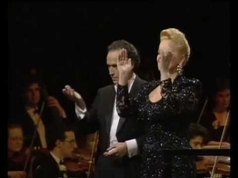 """JOSE' CARRERAS """"Brindisi"""" from La Traviata (G.Verdi)"""
