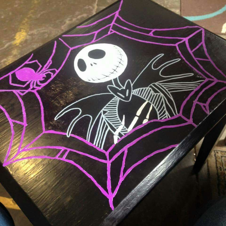 Cute end table | Nightmare Before Christmas | Pinterest ...