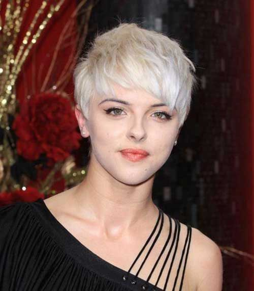 Shaggy Platinum Blonde Pixie Short Hair With Bangs Cool