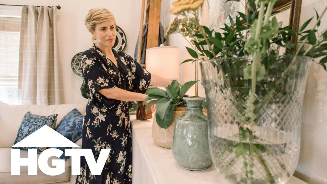 Erin Spired A Tiny Home And A Big Renovation Hgtv Youtube In 2020 Home Town Hgtv Erin Napier Little House