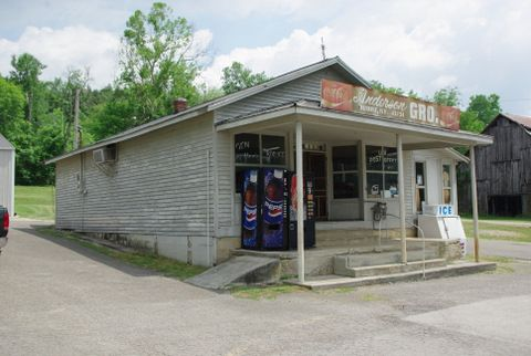 This Is Anderson S Grocery In Burkesville Ky Is Similar To The Anderson S Grocery In My Mystery Whistle Cumberland River Old Country Stores Cumberland County
