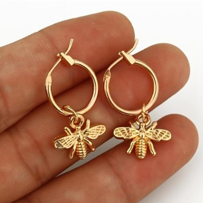 1 Pair Chic Gold Color Small Bee Pendant Earrings For Women Cute Stereoscopic Insect Earrings Fashion Jewelry Gift