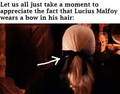 I'm glad someone else noticed this. And not just a bow, an immaculate bow that most girls would be jealous of.