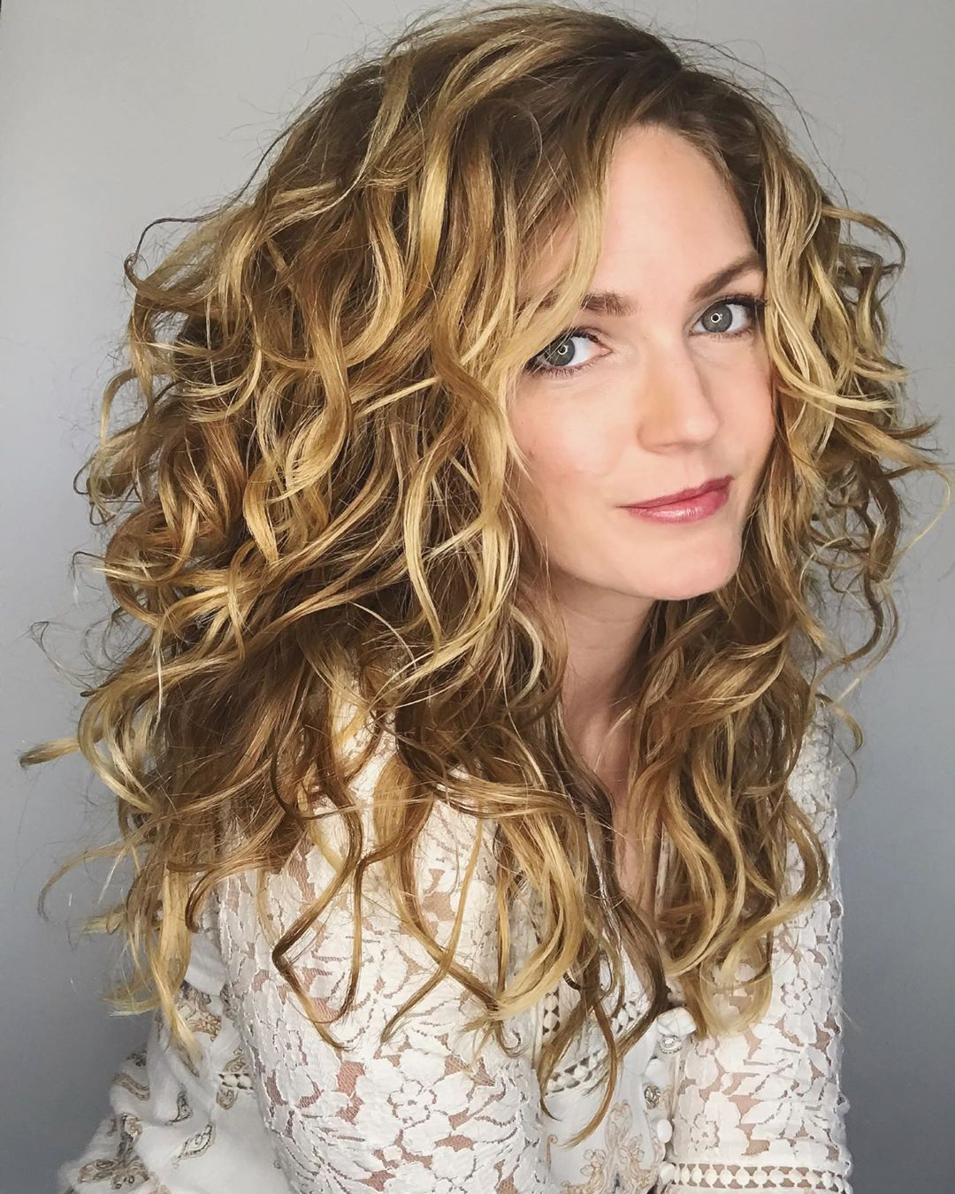Naturally Curly Wavy Blonde Hair Curly Girl Method Curly Hair Styles Curly Hair Photos Curly Hair Styles Naturally