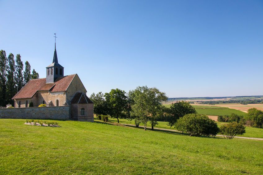 small churches of France | small village in Champagne