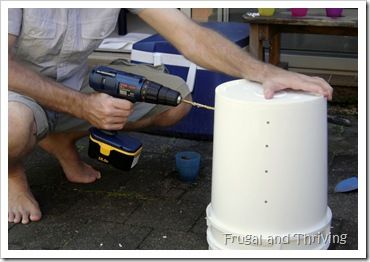 DIY Cheap and Easy Small Space Compost bin | Diy compost bin ...