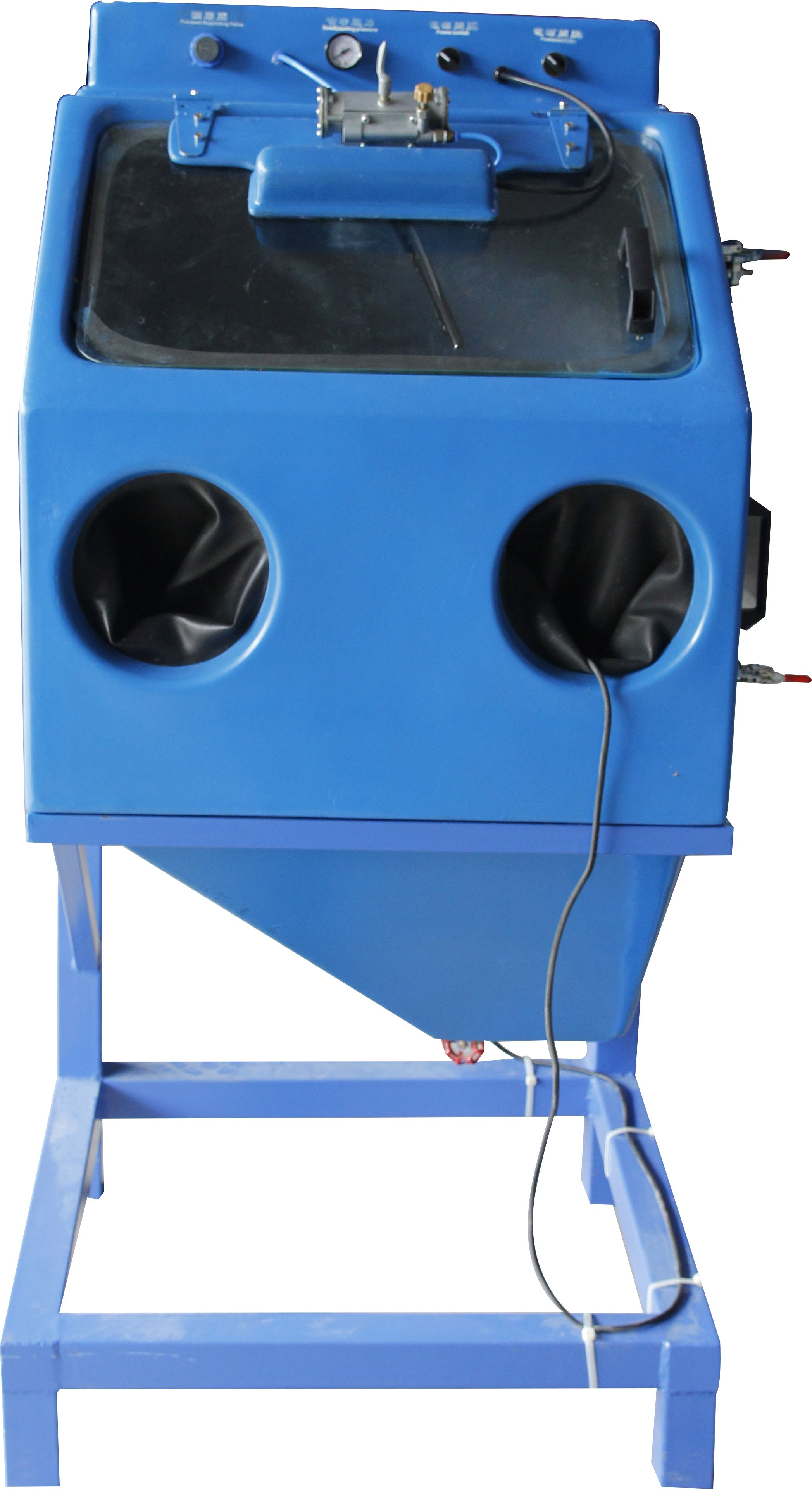 Wet blast cabinets use a slurry pump to produce a highly mixture of