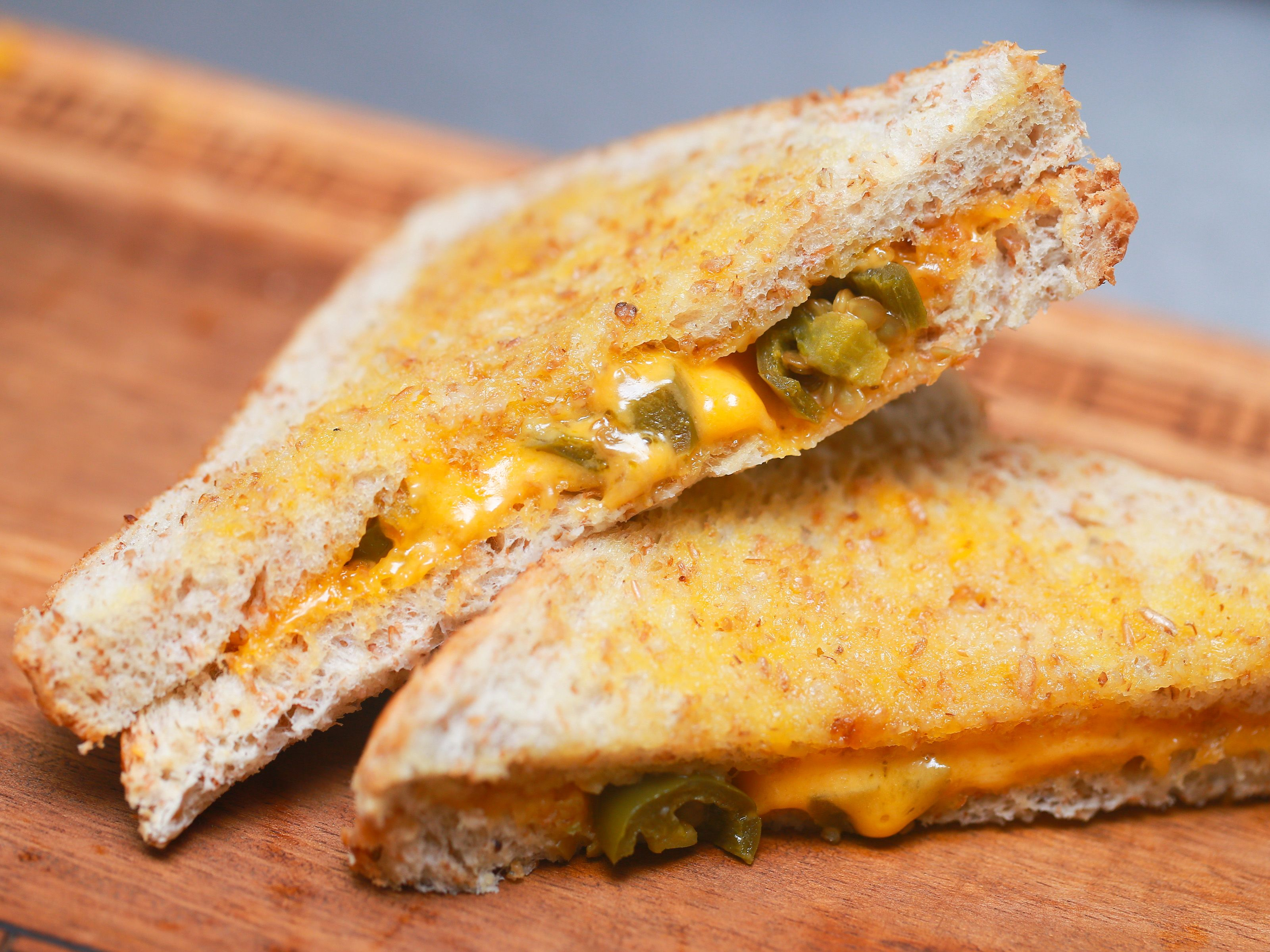 How To Make A Grilled Cheese Sandwich Using A Microwave Recipe Making Grilled Cheese Microwave Grilled Cheese Sandwiches