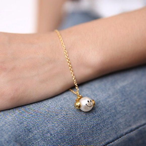 Headphones On Pearl Accent Bracelet Gold Plated.