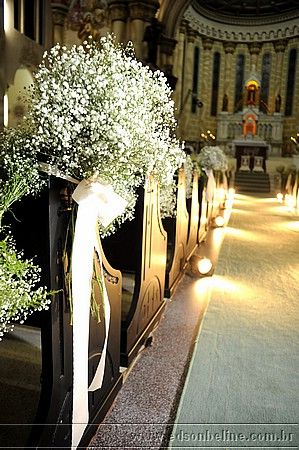 easy aisle decoration with ribbons and baby's breath