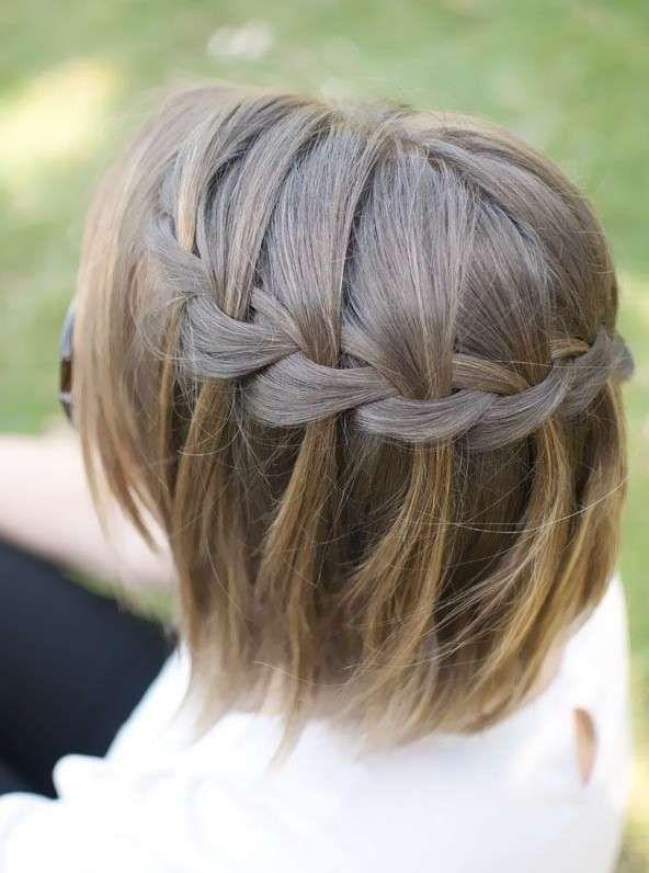 Treccia su capelli media lunghezza