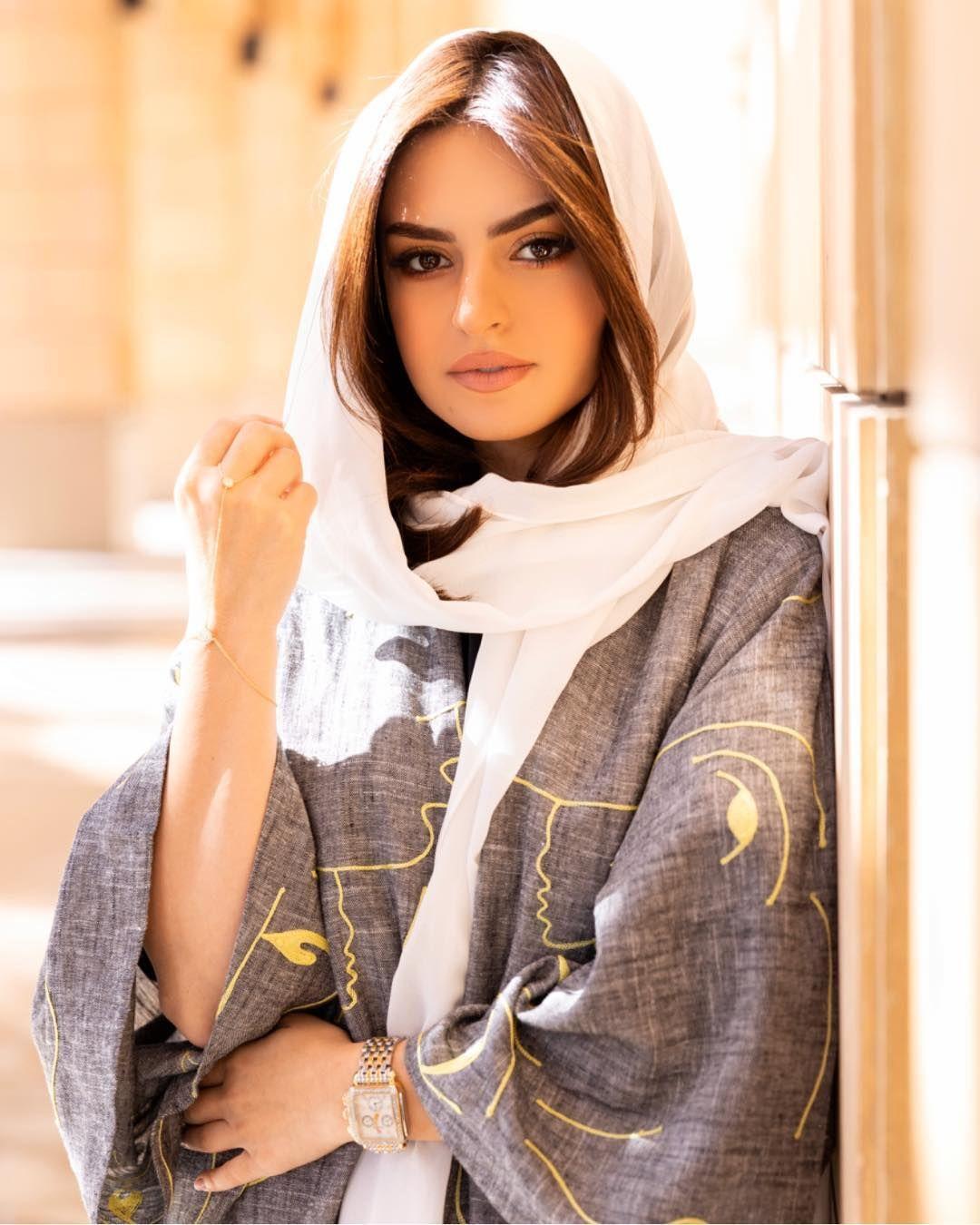 Safa Srour صفا سرور On Instagram Riyadh جمال و رقي مدينة الرياض شكرا على حسن الضيافة ماقصرتو را Beautiful Women Faces Cute Casual Outfits Women
