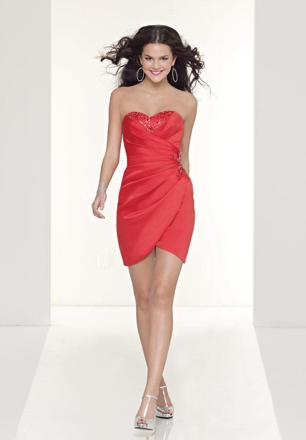 Disenos de vestidos rojos cortos