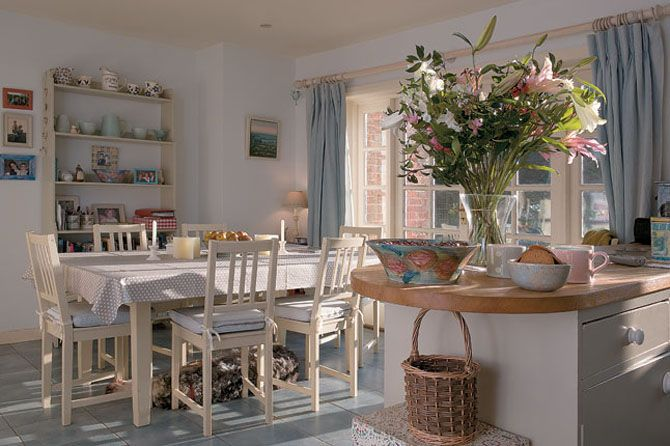 Kitchen And Dining Room In A Classic Georgian Farmhouse