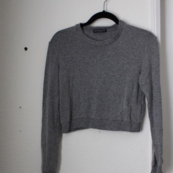 Brandy Melville Gray Cropped Sweater Brandy Gray Cropped Sweater Brandy Melville Sweaters Crew & Scoop Necks