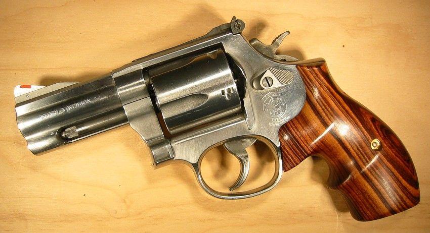 Smith Wesson Model 696 5 Shot 44 Special L Frame Hand Guns Guns Pistols Guns