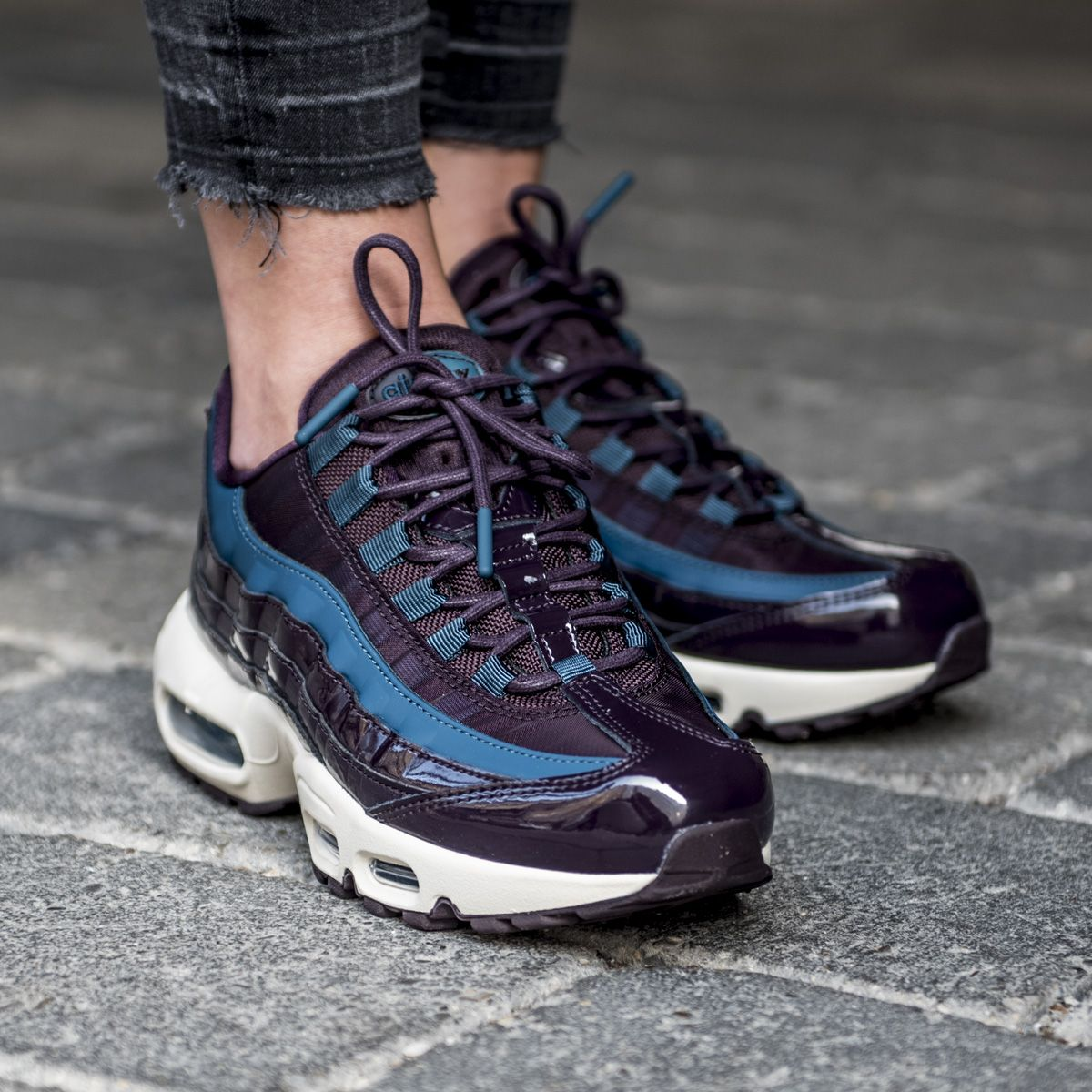 Nike Wmns Air Max 95 SE PRM in port wine   space blue colorway. Now ... d06c82013e1