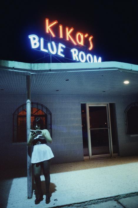Alex Webb MEXICO. Nuevo Laredo, Tamaulipas (Border). 1978. Prostitute outside nightclub.