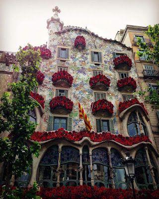 Te Recuerdo Amanda Crónica De Sant Jordi Y Los Días Lábiles Sant Jordi Barcelona Barcelona Casas