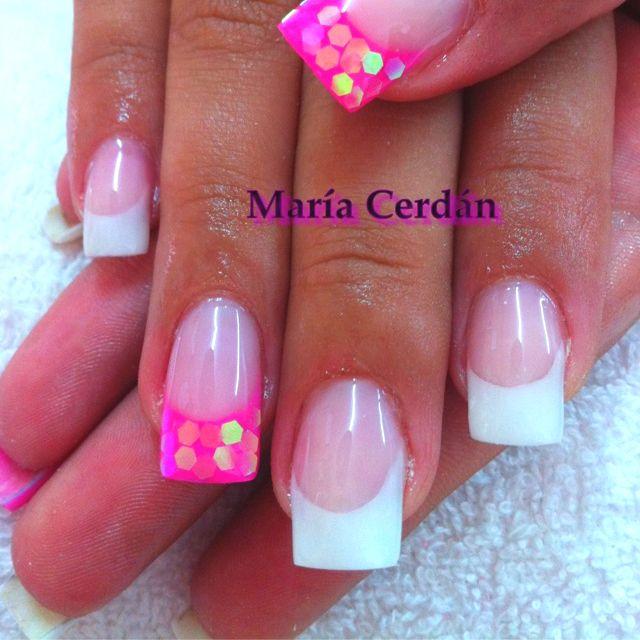 acrilico blanco y rosa chicle