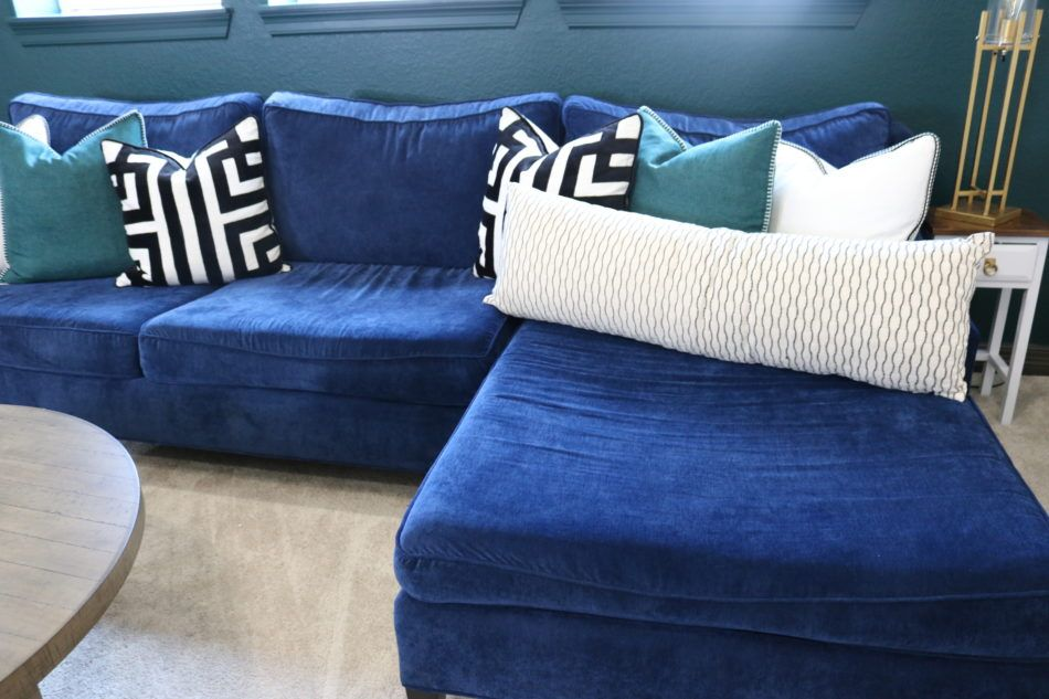 Why You Deserve A Navy Blue Sofa L Navy Blue Blue Sofas Navy Sofas Blue Couches Navy Couches Pillows N Living Room White Trendy Living Rooms Living Room Colors