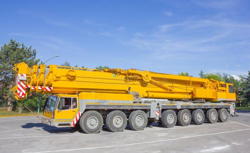 Crane truck Pick up and crane truck