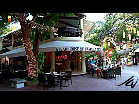 5th Avenue Tour Playa Del Carmen Mexico With It S Shops And