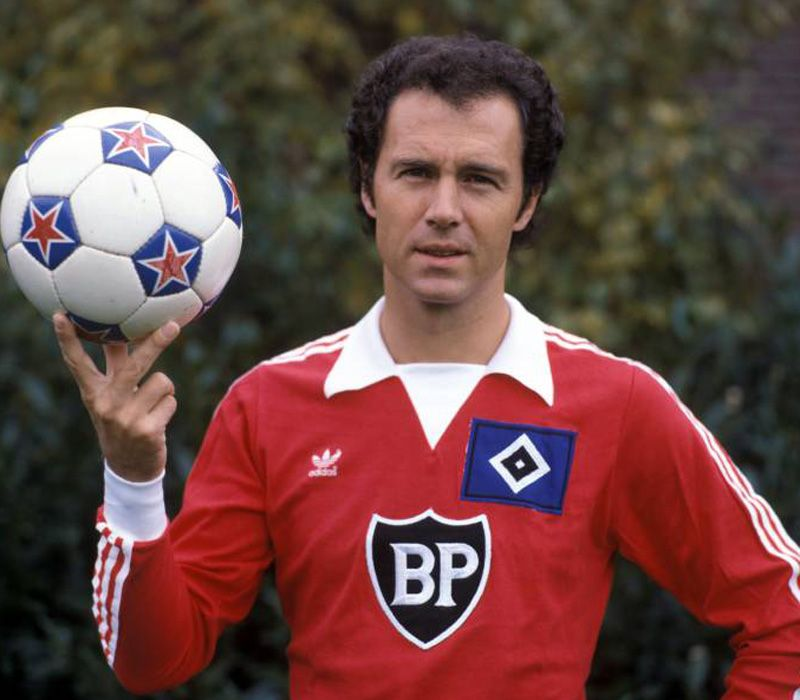 franz beckenbauer posing in a hamburg kit he joined them. Black Bedroom Furniture Sets. Home Design Ideas
