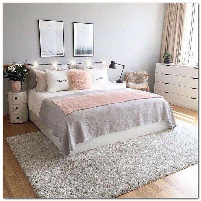 43 Beautiful Shabby Chic Bedroom Ideas For Women Beautifulbedroomideas Shabbychicbedroom Bedroomid Bedroom Decor Bedroom Interior Small Apartment Decorating