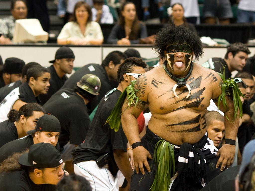 University Of Hawaii Manoa Basketball Mascot Google Search Hawaii Rainbow Warriors Mascot Dance Teams