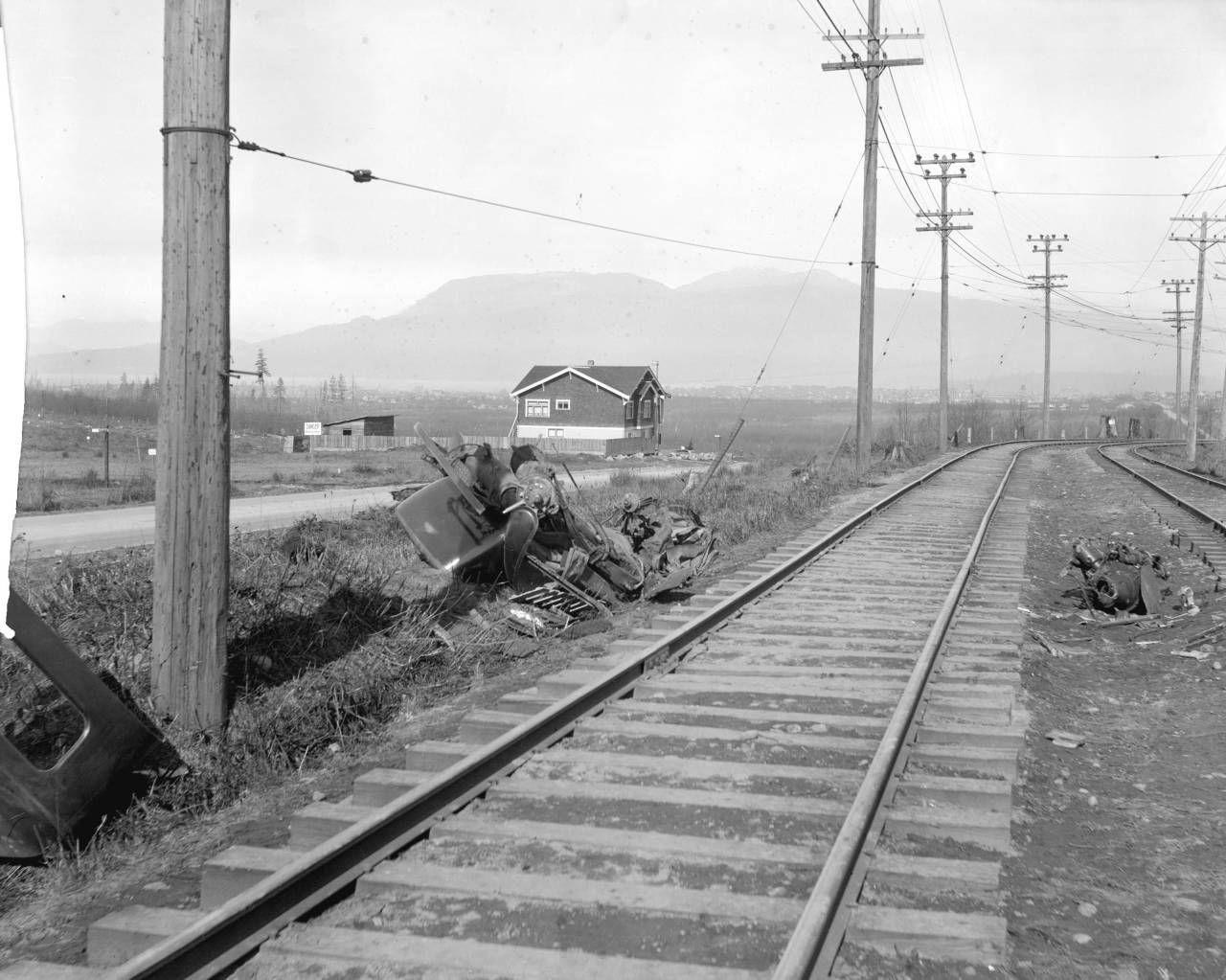 Car wreck kerrisdale march 1920 j hanbum and goodwin