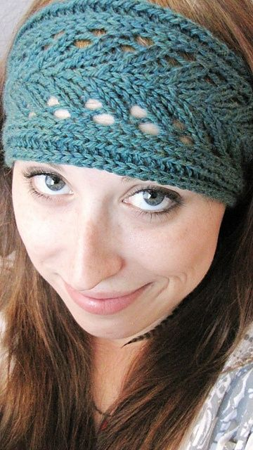 Lacy Knitted Headband! I just made one and it was so easy ...