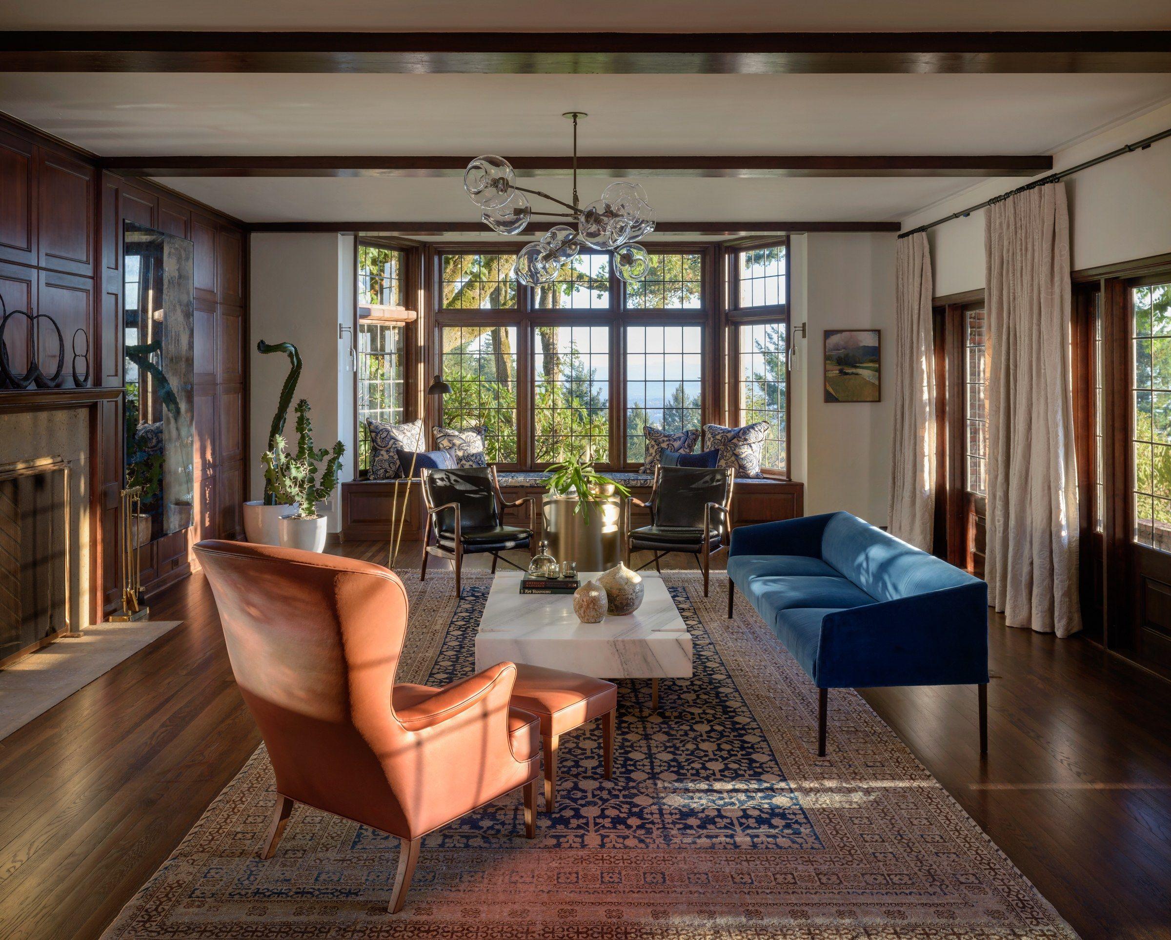 Go Inside A Historic Portland Tudor That S Surprisingly Modern Photos Architectural Digest Tudor Style Homes Tudor House Living Decor