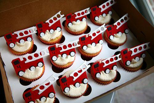 Phenomenal Firetruck Birthday Cakes Google Search Fire Truck Cupcakes Personalised Birthday Cards Beptaeletsinfo