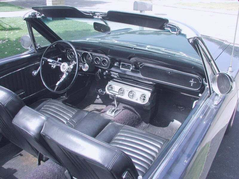 interior ford mustang