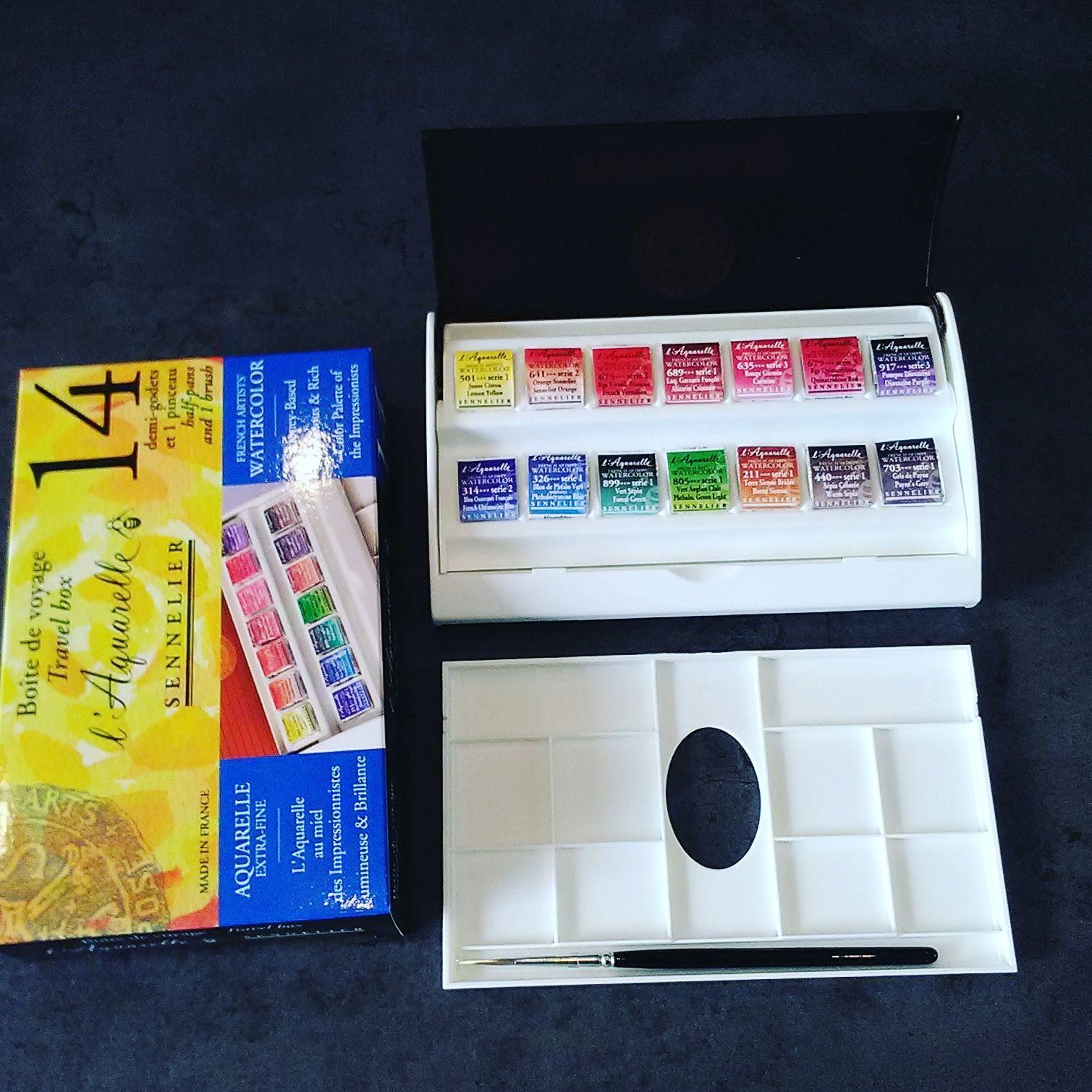 L Aquarelle Sennelier 14 Mezzi Godet In Comodo Box Con Tavolozza