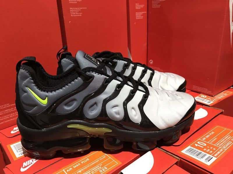 ff4cab0ba4a Authentic Nike Air VaporMax Plus 40-45 Black Volt White 924453-009 On Sale