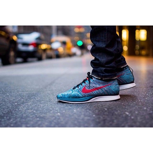 6bc2c70ae48cf Nike Flyknit Racer