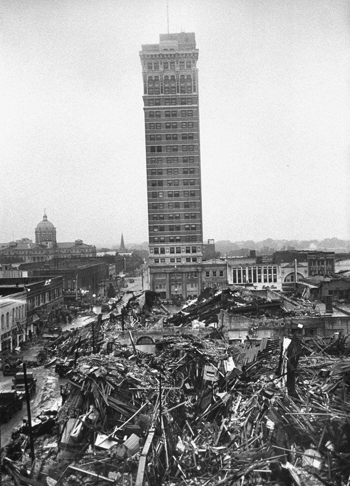 Waco tornado 1953 devastating destruction after an f5 for Waco builders